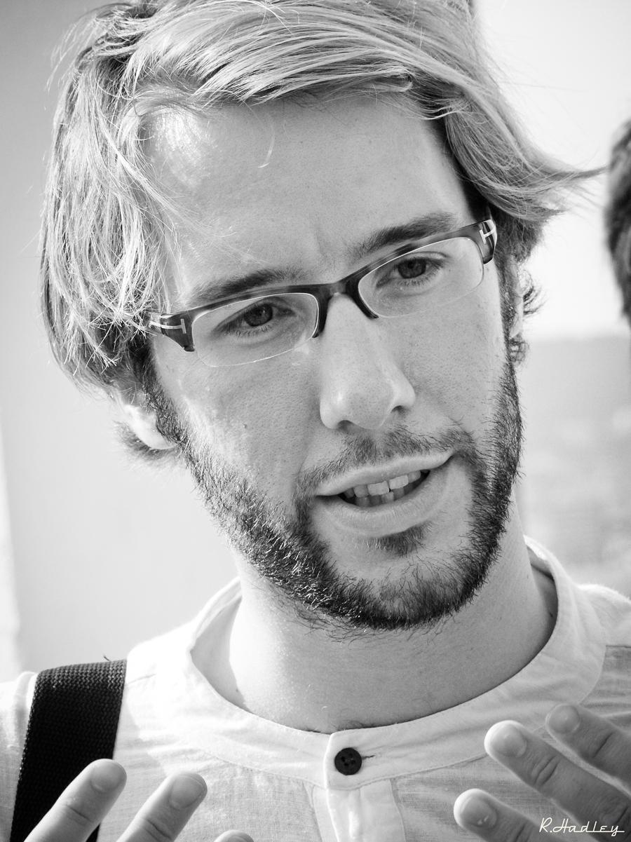 Portrait of Ben Evans during a photowalk in Barcelona