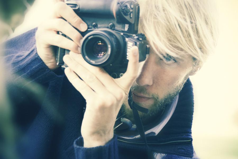 Portrait of Ben Evans in Barcelona with his Nikon D2x and Nikkor 50mm lens