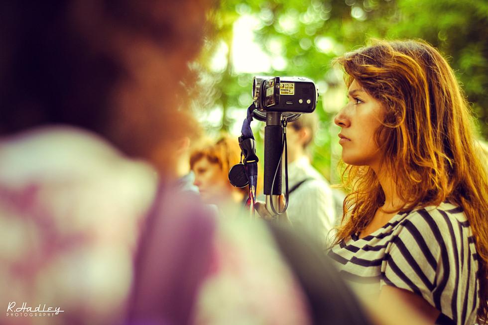 Hiromi Torres filming in Parc de la Ciutadella, Barcelona
