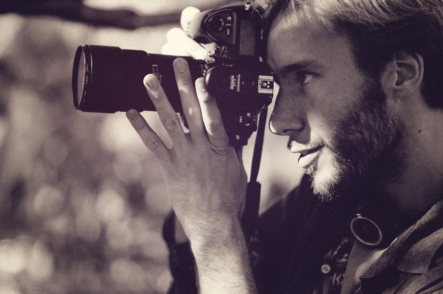 Ben Evans in Parc de la Ciutadella, Barcelona. With Nikon D2x + Nikon 180mm f2.8 D AF IF-ED Lens