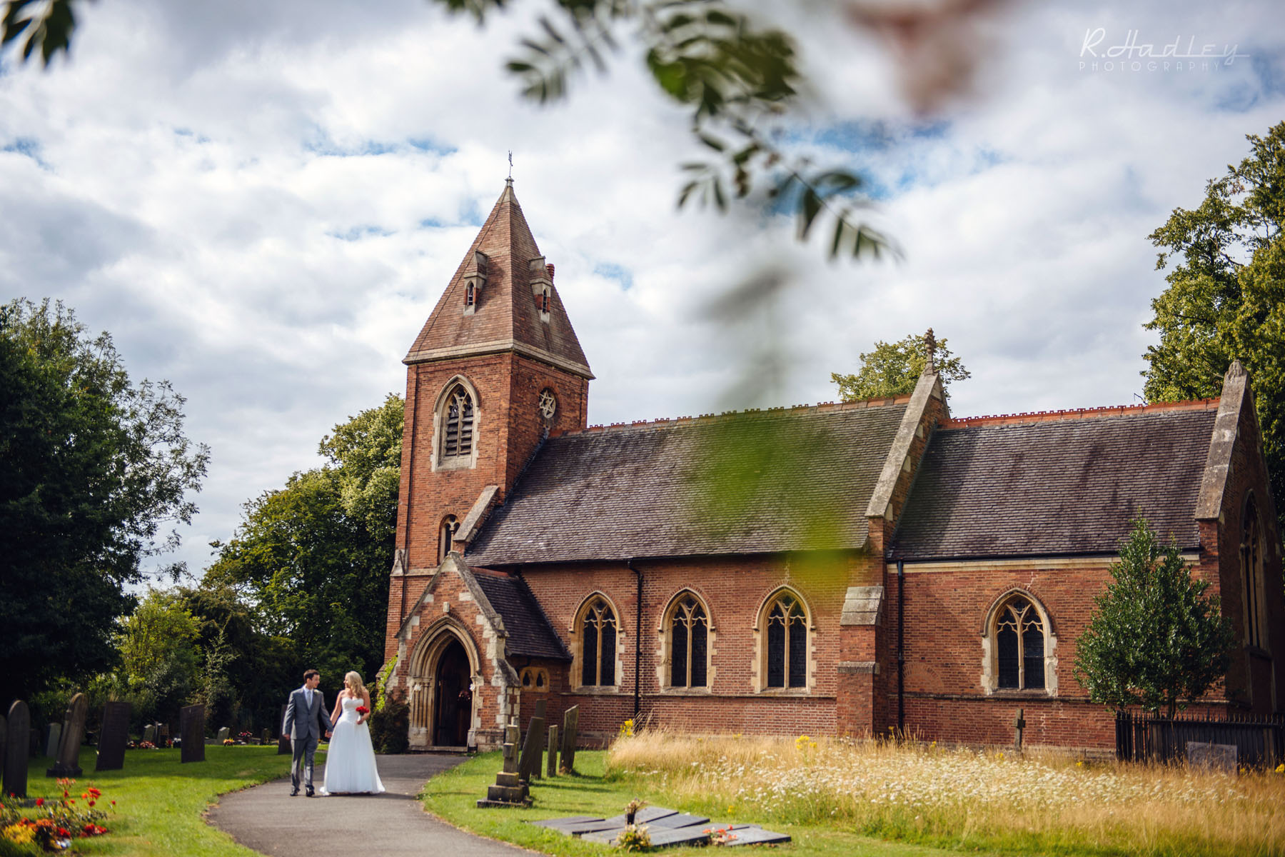 Wedding couple at St. James Church in Weddington, Warwickshire