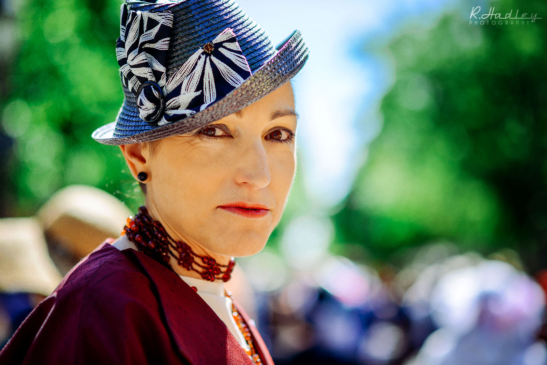 Portrait of Isabel Peralta Rovira in Barcelona at the hat parade 2014