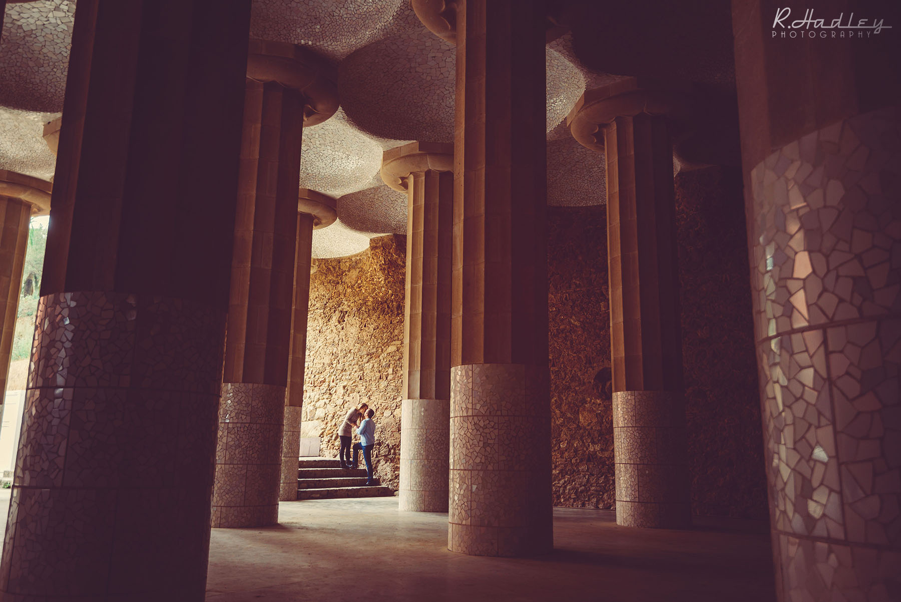 PORTRAIT | ENGAGEMENT SHOOT | PARK GUELL | BARCELONA